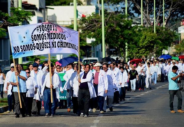 1.-Marcha Médicos (17)RECOMENDADA