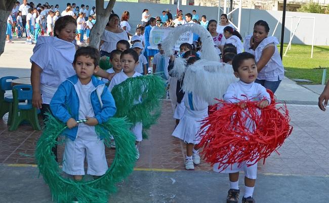Celebran la revoluci n mexicana for Alberca 20 de noviembre campeche