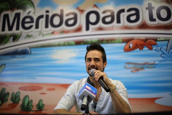 José Ron, invitado al Carnaval de Mérida