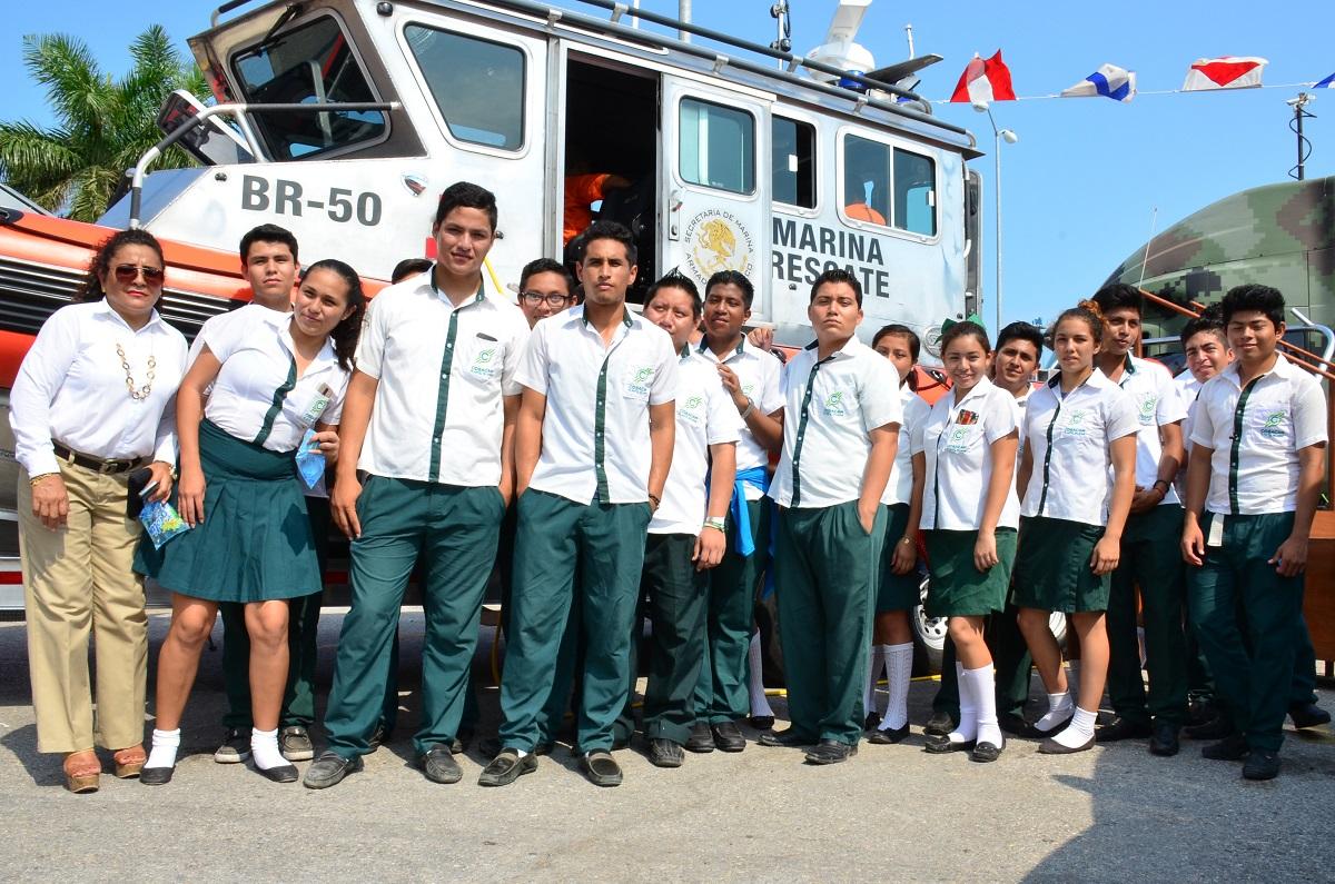 Estudiantes de la ermilo sandoval campos campeche 3