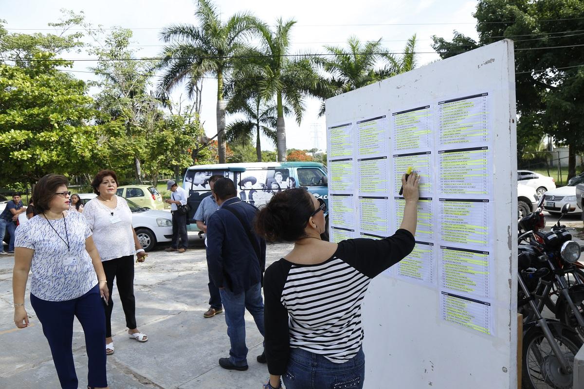 En examen de oposici n 225 aspirantes seduc tribuna for Plazas disponibles para el concurso docente 2016