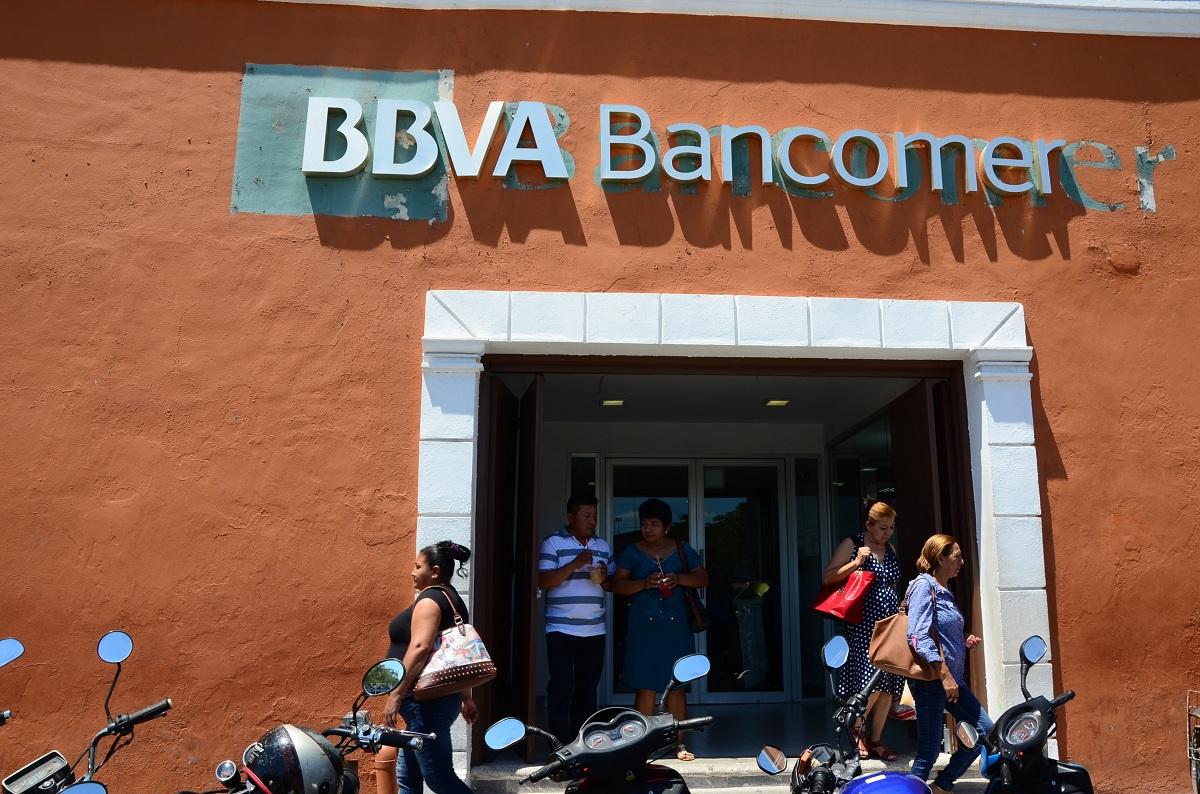 No abren bancos ma ana tribuna campeche for Manana abren los bancos en espana