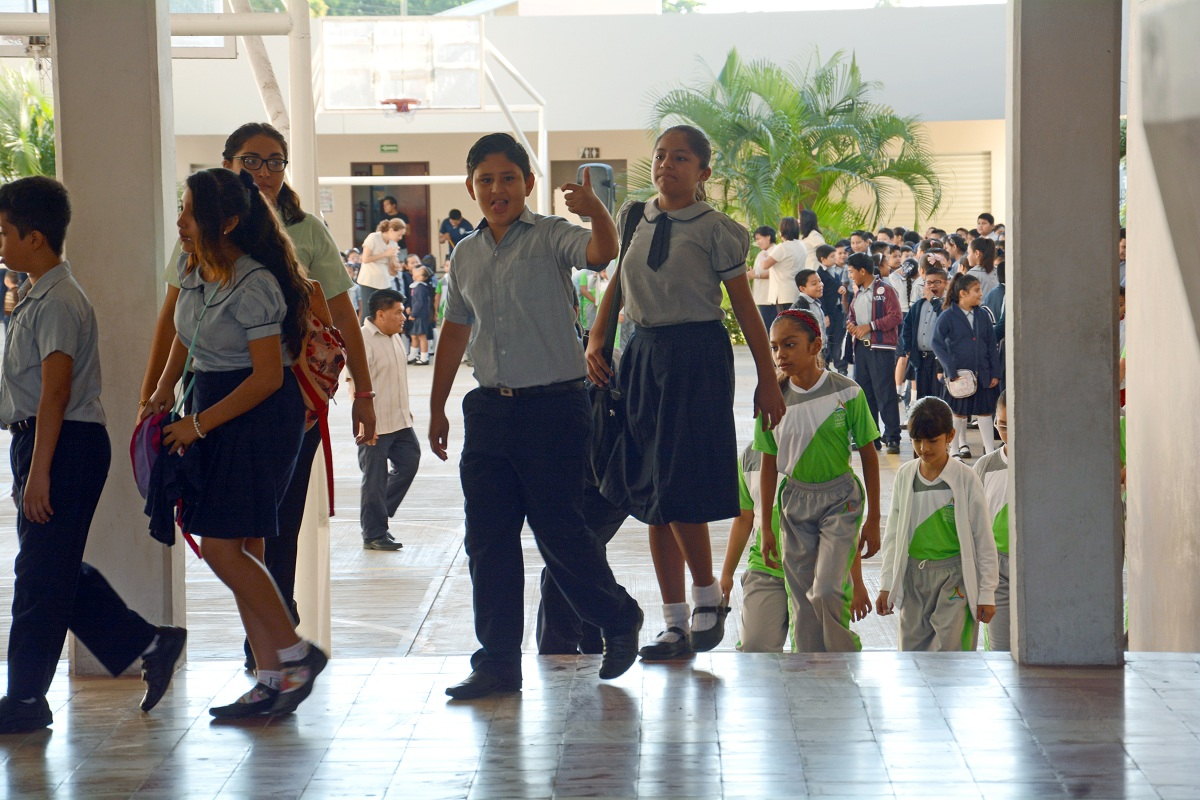Reanudan actividades escolares