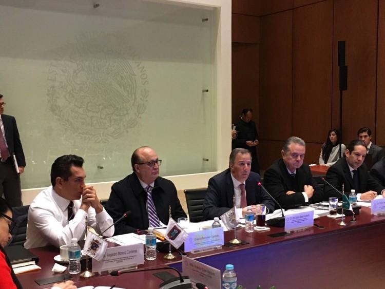 foto-3-el-secretario-meade-se-reunio-con-integrantes-de-las-comisiones-de-hacienda-y-energia-de-la-conago