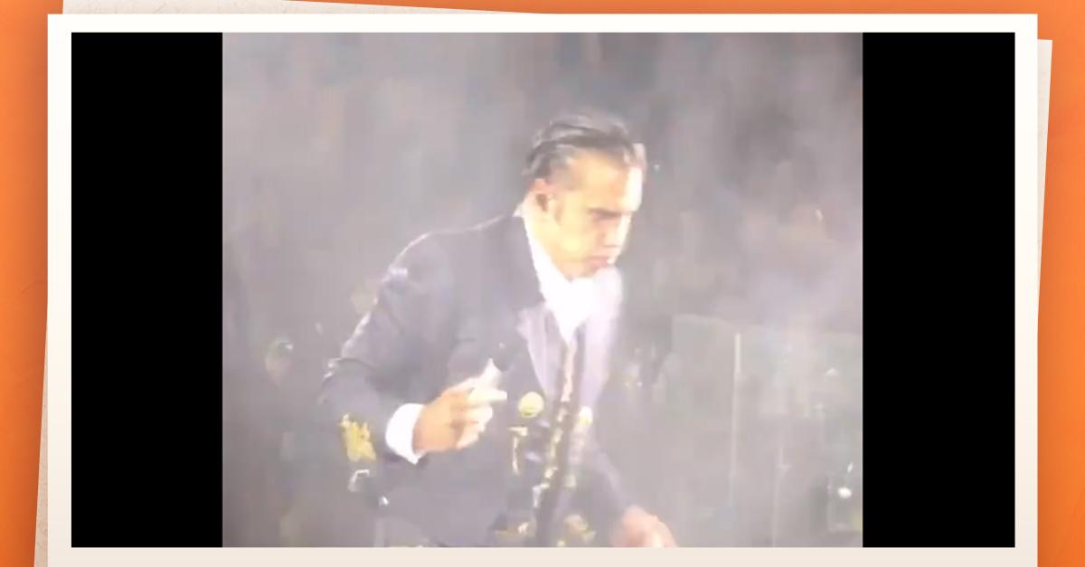 Alejandro Fernández casi vomita en pleno recital